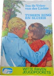 Boek: Tussen ring en sluier