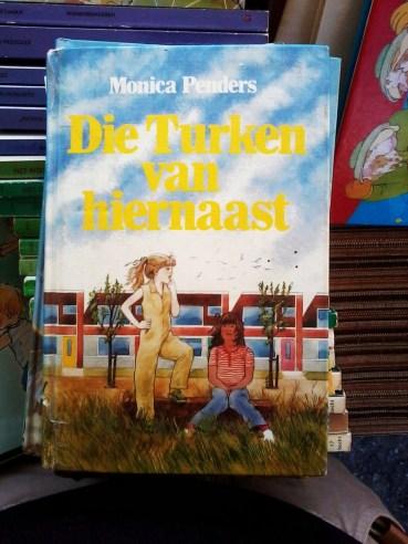 Die Turken van hiernaast boek